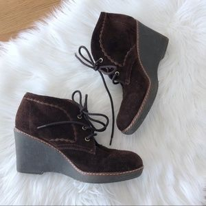 Naturalizer suede lace up wedge booties